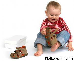 До покупки дитячого взуття треба підходити з усією відповідальністю і з тими  ж вимогами 41943b76bd1f7